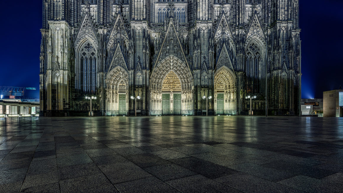 Köln bei Nacht – Domportal