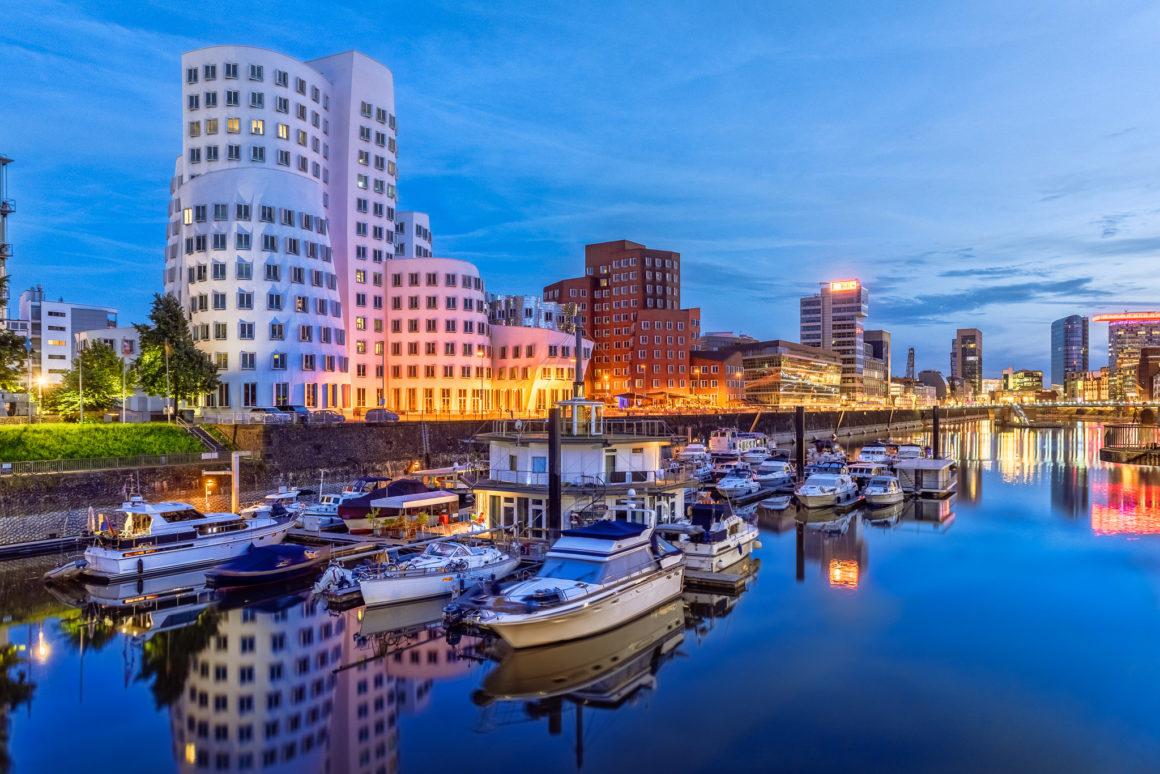 Düsseldorf bei Nacht – Medienhafen