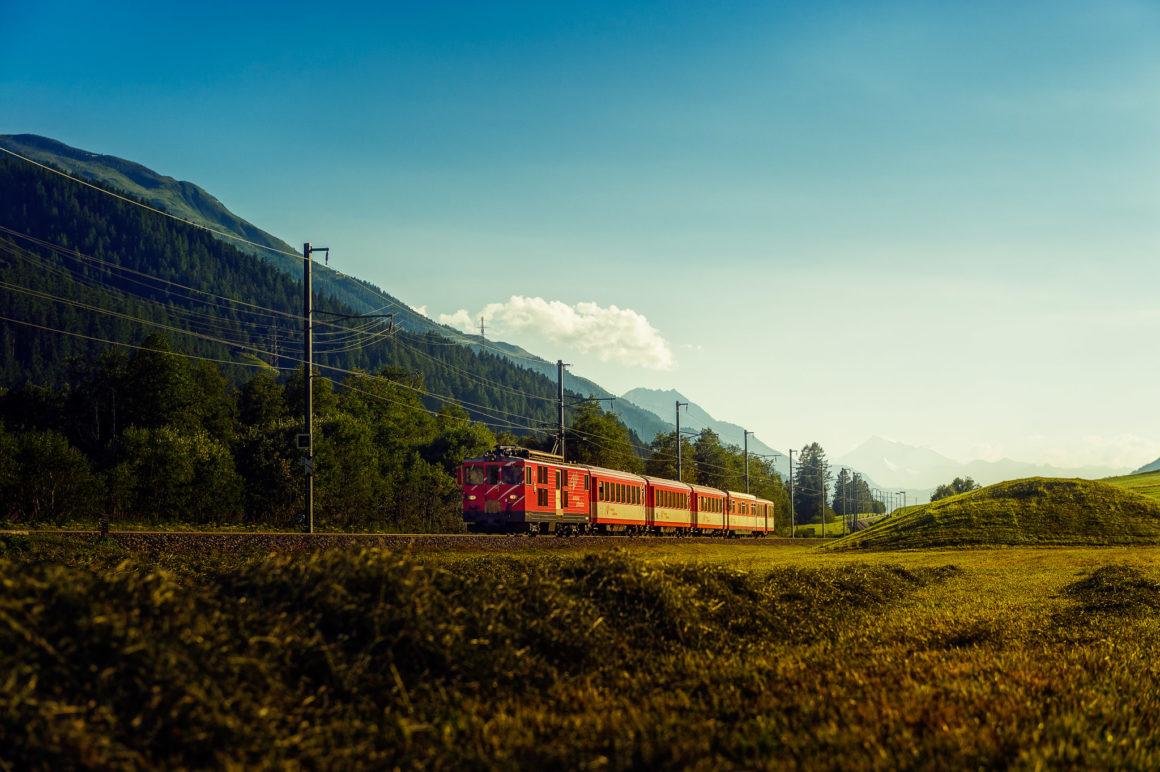 Regionalzug MGB bei Gluringen