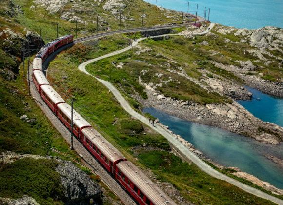 Rhätische Bahn am Lago Bianco