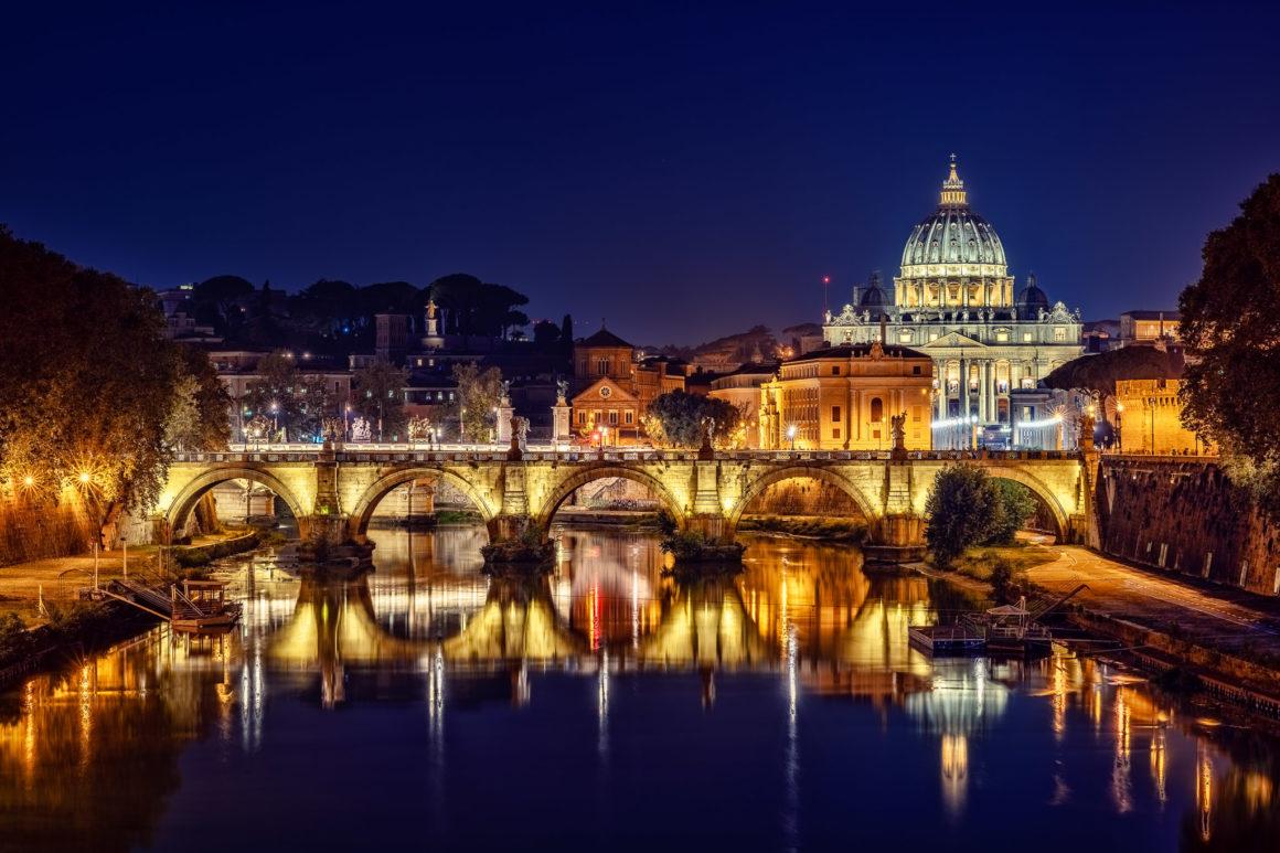 Rom bei Nacht – Engelsbrücke und Vatikan